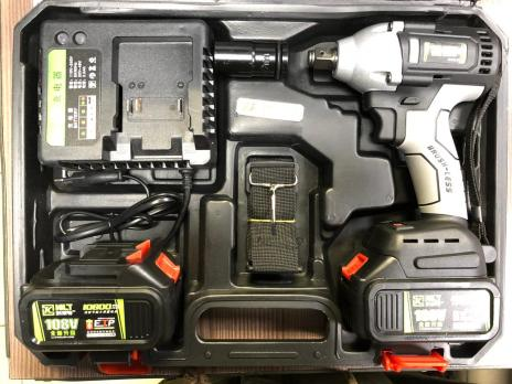 Гайковерт аккумуляторный мощьный 108V с набором головок